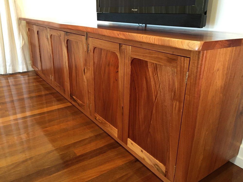 pine sideboard.JPG