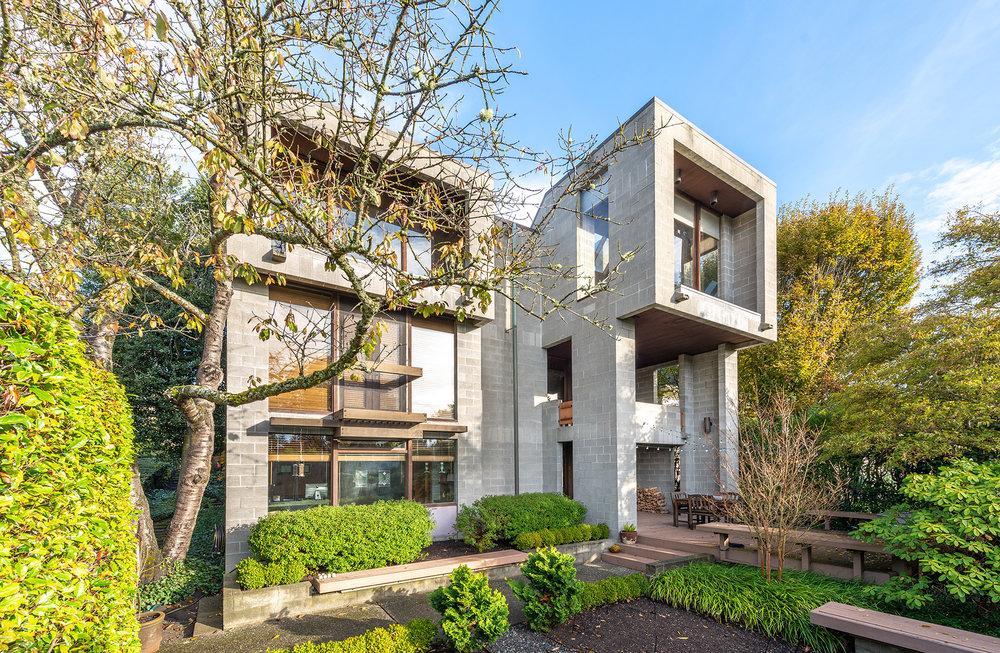 Raff Residence by Gordon Walker