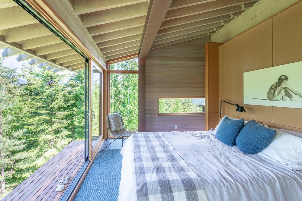 Larch-House-Int-Master-Bedroom-02-AvL.jpg