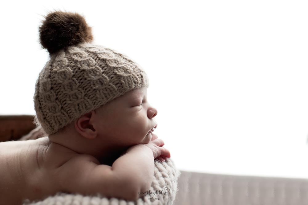 newborn-photographer-portland-or_DSC7625newborn-photographer-portland-or.png
