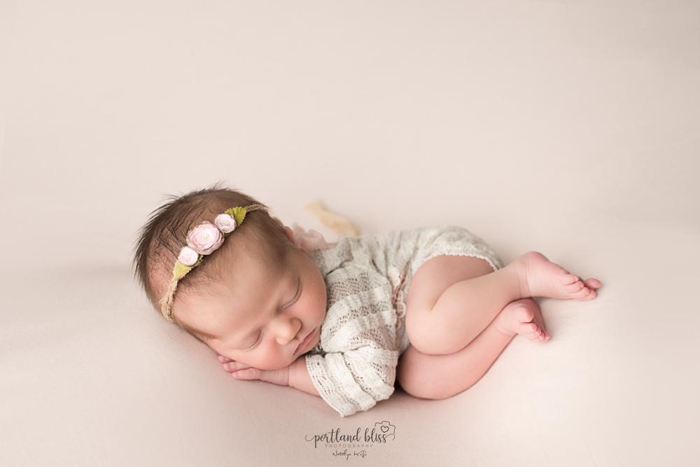 newborn-photographer-portland-or-09.png