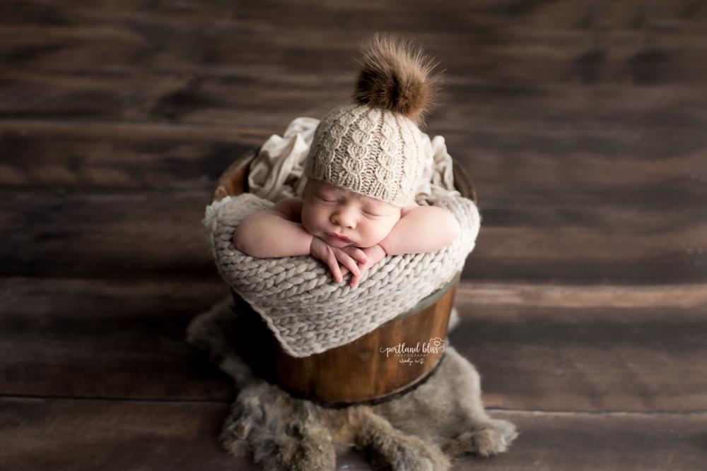 newborn-photographer-portland-or_DSC7621newborn-photographer-portland-or.png