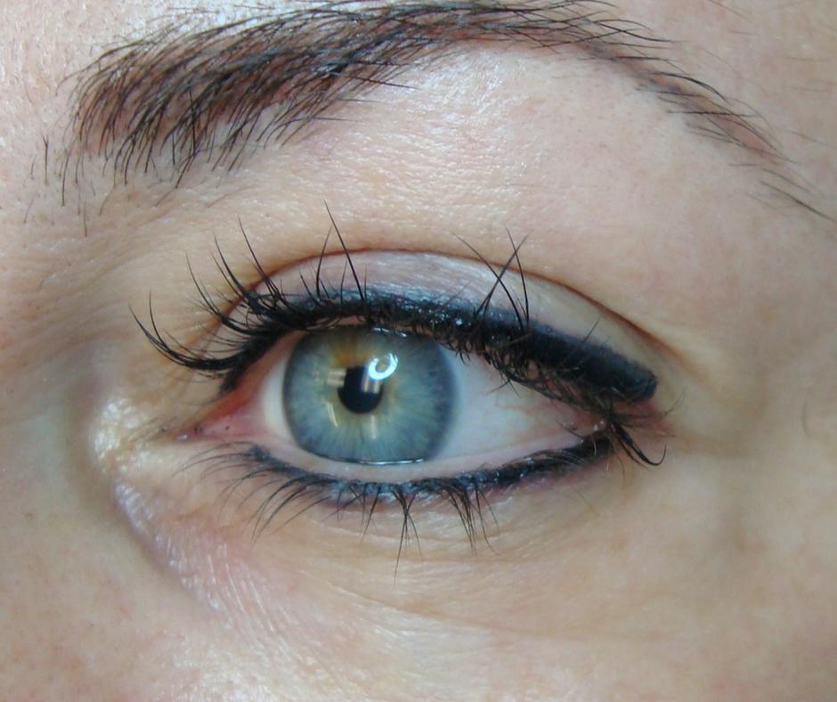 blueeyesliner.png