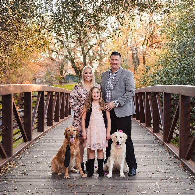 I am so glad I was able to squeeze in this sweet family. When Julia said they wanted to include their dogs I made sure I found time for them. Look how cute they are with his tie and her bow!
