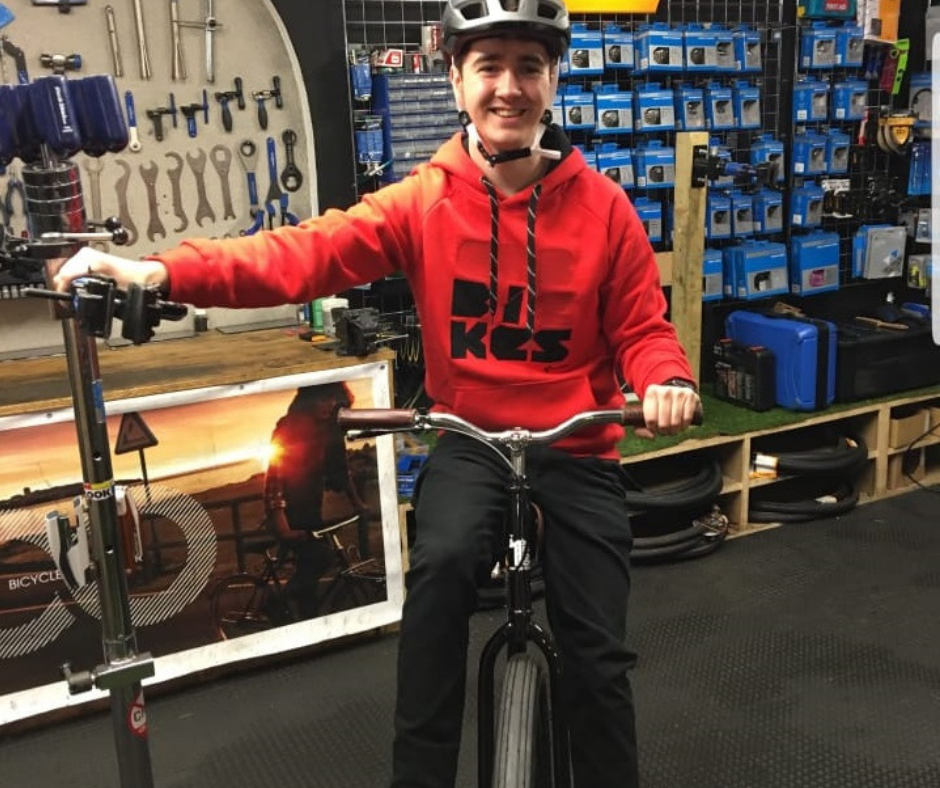 EOGHAN - Sales & ServicingEoghan is highly experienced in both sales & servicing and runs the show on Sundays - he has built up a huge knowledge of all things bike and is fast growing a fleet of bikes worthy of a pro cycling team!Specialist Areas // Servicing, MTB & Electric Bikes