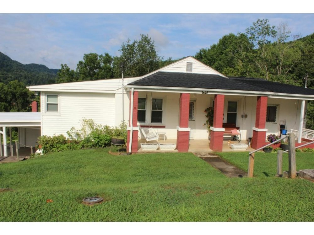 "205 Starnes St""The Frances L Jennings Property"" - SOLD$45,100September 30, 2017House and Personal Property"