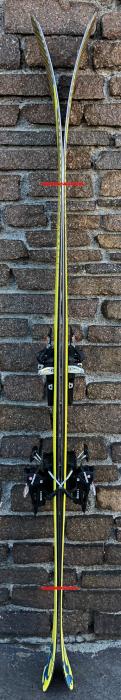 Freeride-Ski mit ausgeprägtem Rocker (Foto ©Tom Pellny)