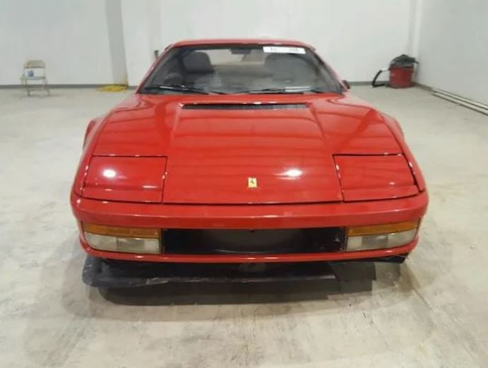 Store-salvage-Title-Ferrari-Testarossa-with-aaaa-auto-storage-2.jpg