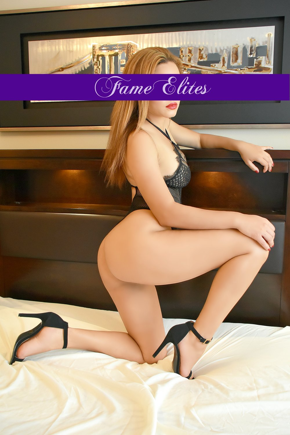 "renee - Age: Late 20'sHeight: 5'6""Measurements: 34-27-35Weight: 130 lbsHair: Light BrownEye: BrownDress Size: 4Hobbies/interests: Music, Fashion, TennisCharacter Traits: HumorousOccupation: Office Clerk"
