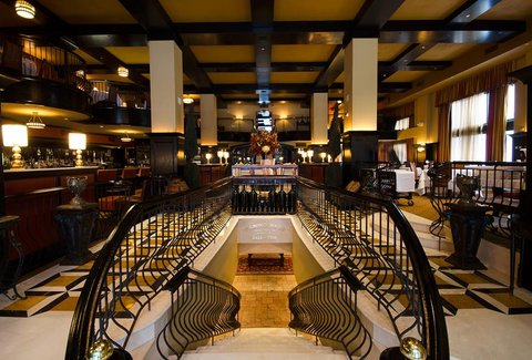 Del Posto - When you enter Del Posto, the swooping staircases, mile-high ceilings, and gentle tinkling of the ivories assert that you are at a fancy restaurant. Del Posto demonstrates what Italian fine dining can and should be: stylish and sophisticated, elegant but unstodgy