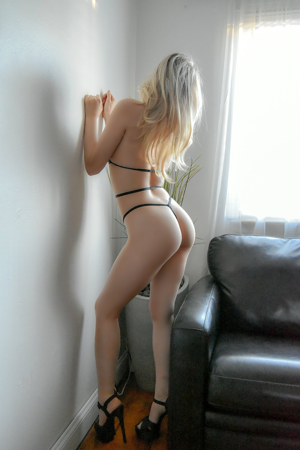 Scarlett: Charming Escort Model - Are you ready for a lady who is natural as well as authentic? Then you should meet our charming escort model Scarlett.View Scarlett's Profile
