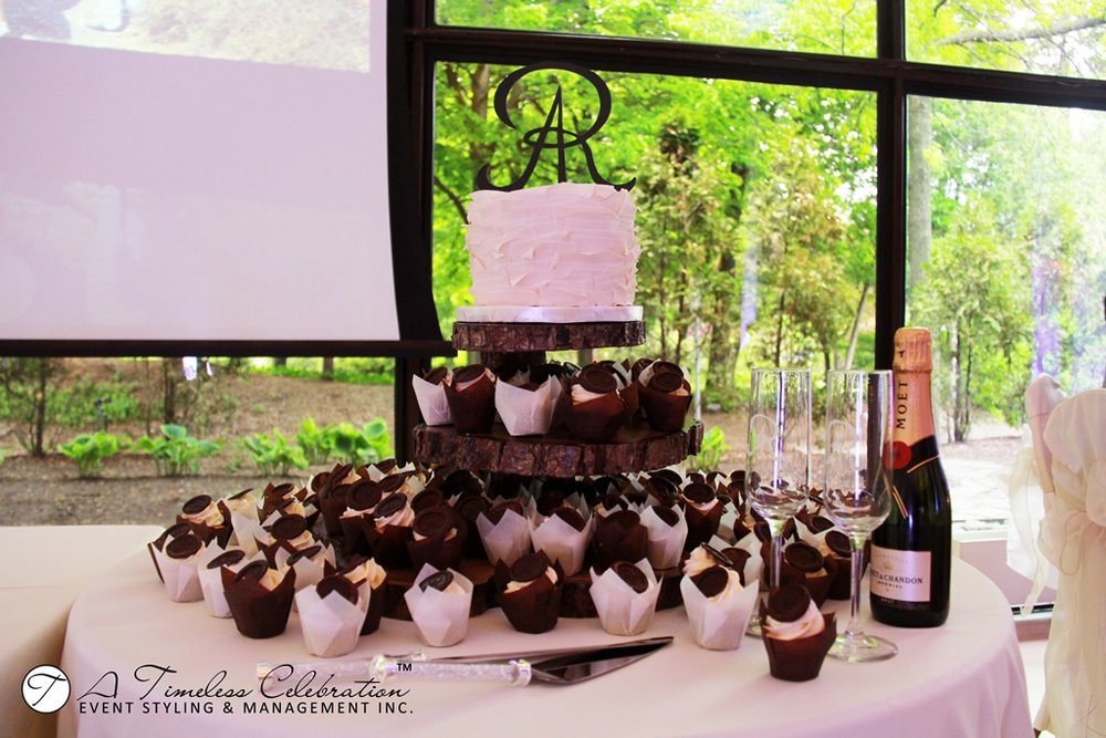 Montreal-Wedding-Cake-Reception-La-Toundra-IMG_1257.jpg