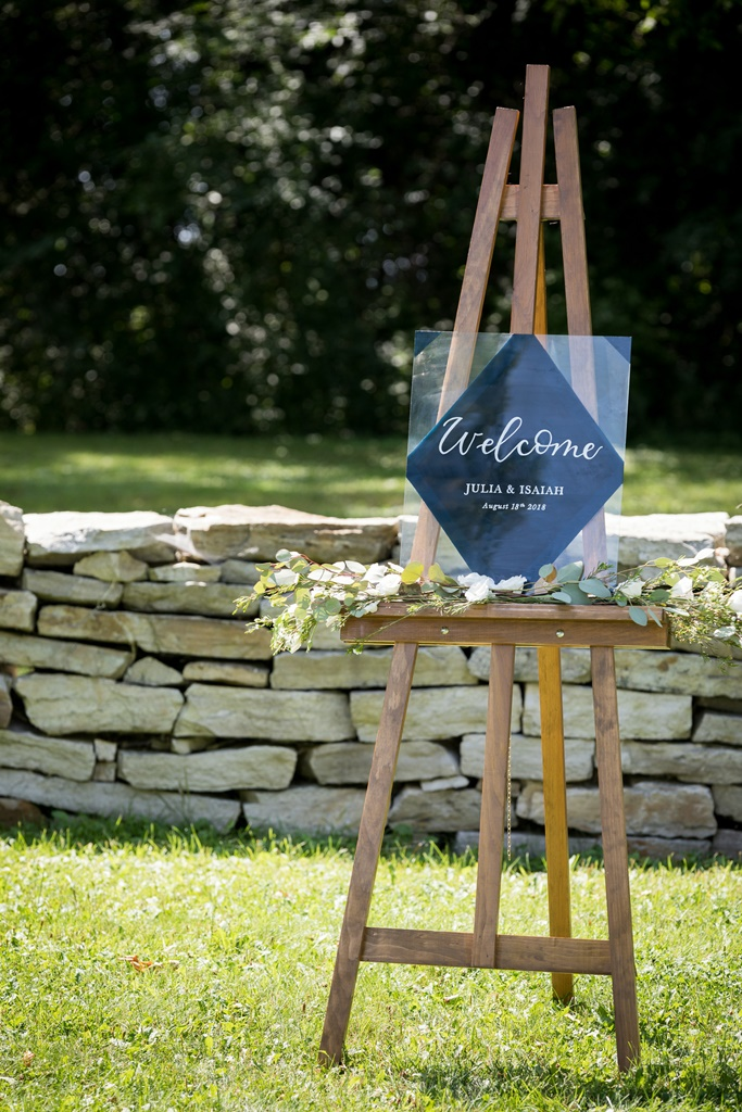 Natural Outdoor Wedding Ceremony Renal Pointe-du-Moulin - Ile Perrot