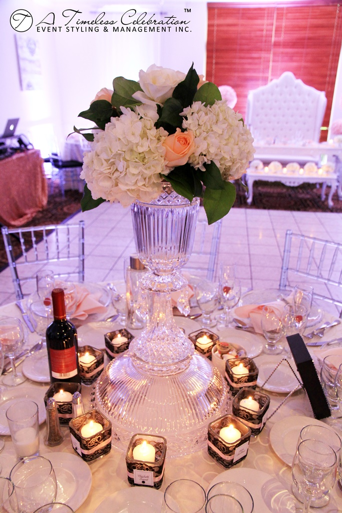 modern chic wedding reception peach white flower centerpieces le challenger montreal