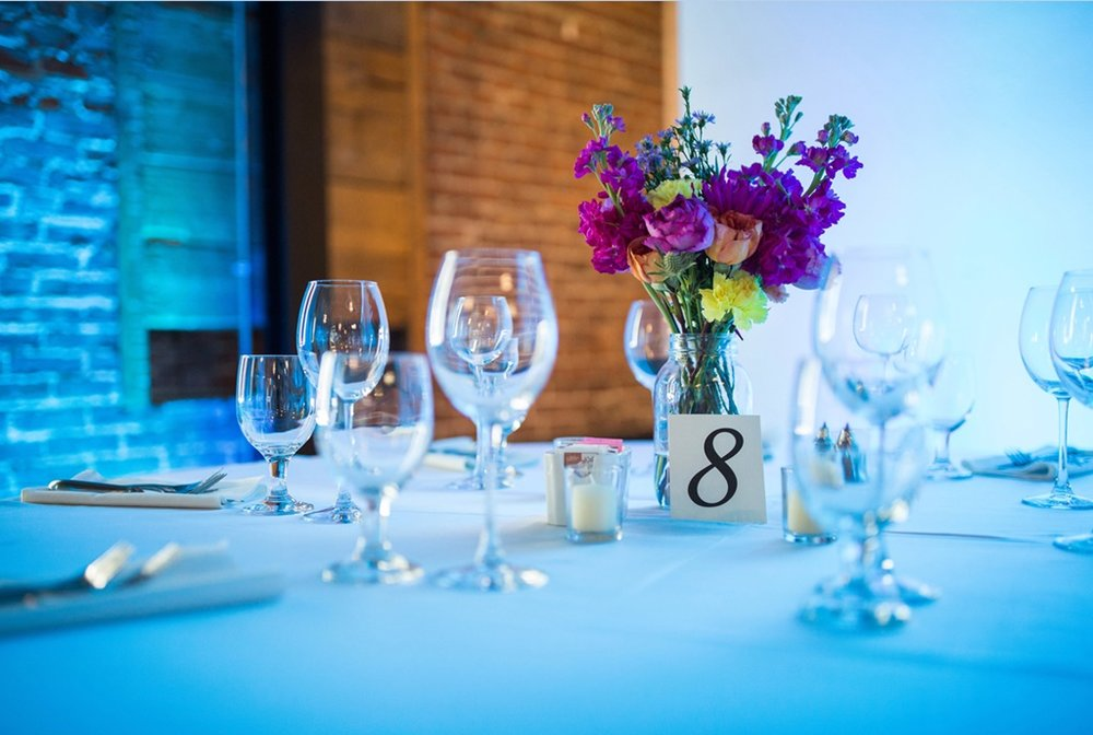 Montreal Wedding Planner Coordinator Flower Bouquet Centerpieces Canvas Loft A Timeless Celebration