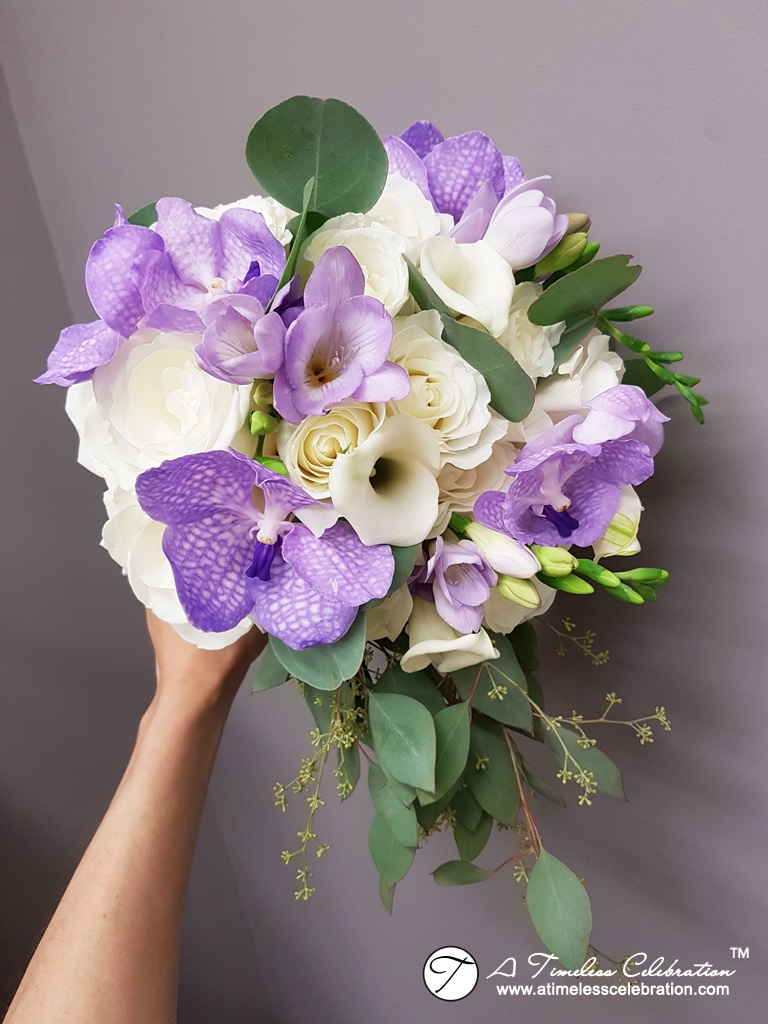 Old-Montreal-Purple-White-Wedding-Flower-Bouquet-Florist-Hotel-Place-dArmes-20170603_002409.jpg