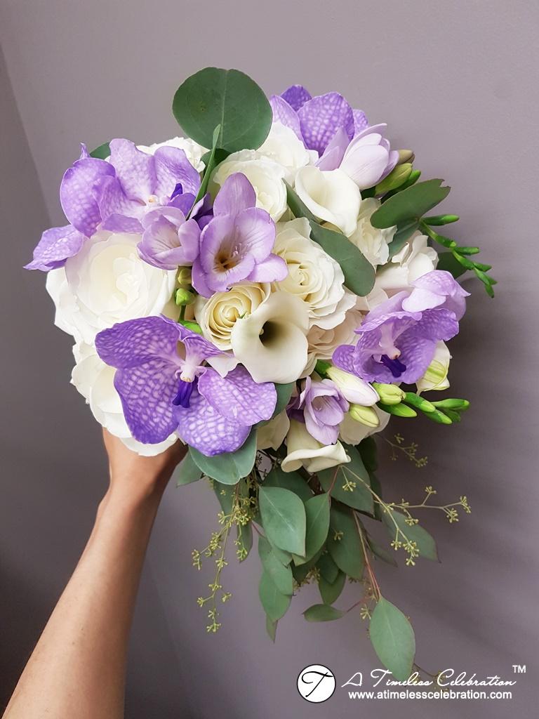 Old-Montreal-Purple-White-Wedding-Flower-Bouquet-Florist-Hotel-Place-dArmes-20170603_002409.jpg