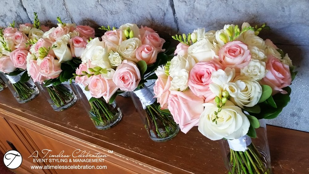 Montreal-Wedding-Pink-White-Roses-Bridal-Floral-Bouquets-Forest-Stream-Club-2.jpg