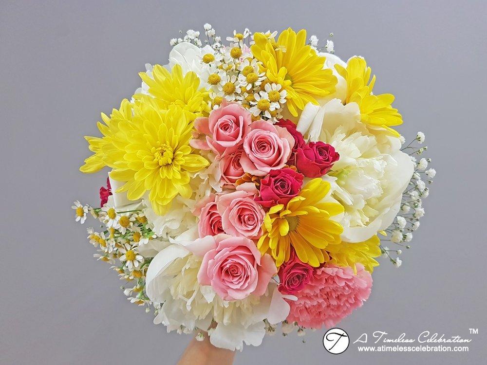 Montral Bridal Party Bouquet Spring Wedding Flowers Parc Jean Drapeau Pavillon de la Jamaïque  20170623_164001.jpg