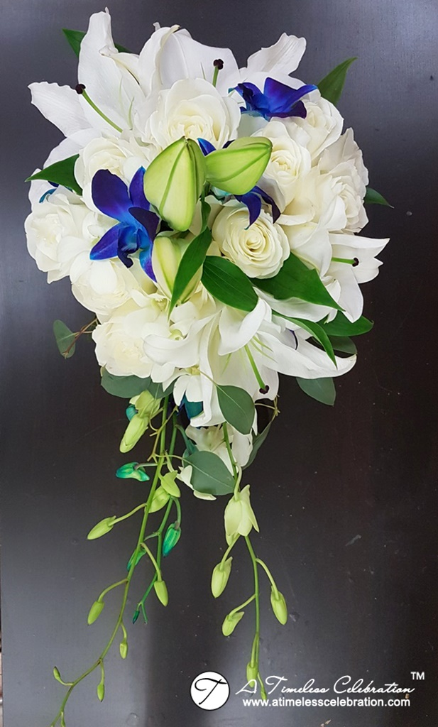 Montreal-Wedding-Ceremony-Flower-Bouquet-for-Bridal-Party-20170805_081946.jpg