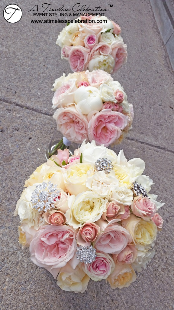 Montreal-Wedding-Florist-Pink-Ivory-Bridal-Bouquets-1.jpg