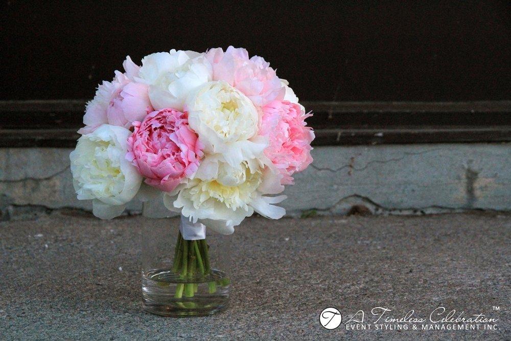 Montreal-Wedding-Flower-Floral-Bouquet-Centerpiece-Decoration-La-Plaza-IMG_9765.JPG