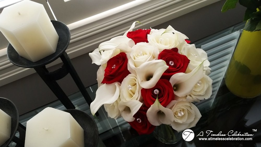 Montreal-Wedding-Flowers-Red-White-Calla-Lily-Roses-Buffet-Amiens-20150926_102619.jpg