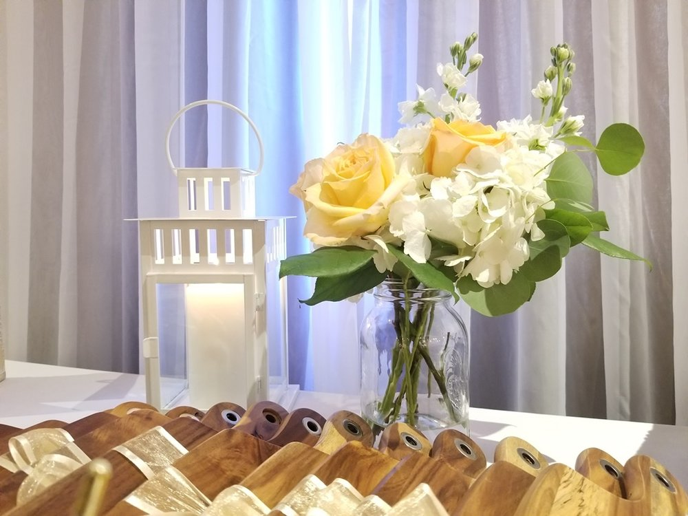 Montreal Wedding Reception Rustic Flower Details Decorations Rentals Hotel Spa Mont Gabriel