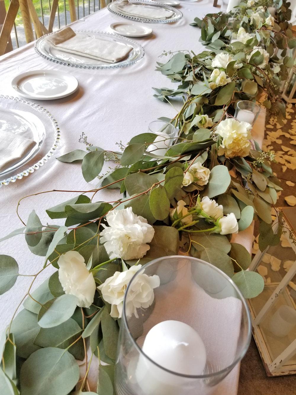 Natural Organic Montreal Wedding Pointe du Moulin Florist Flowers 20180819_153928.jpg