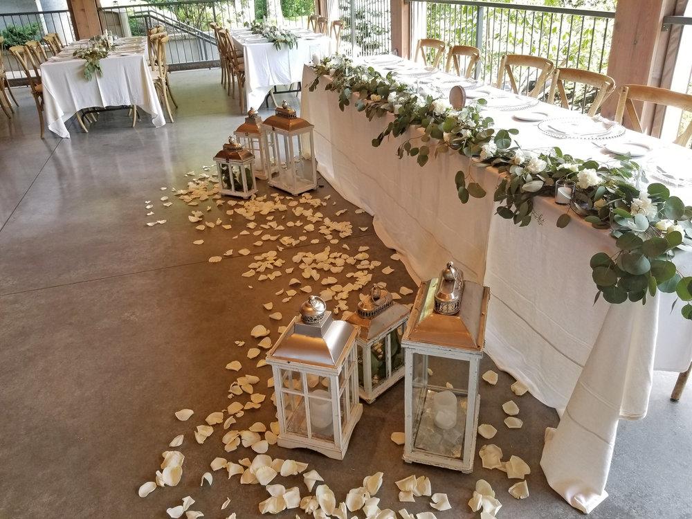 Natural Organic Montreal Wedding Pointe du Moulin Florist Flowers 20180819_154140.jpg