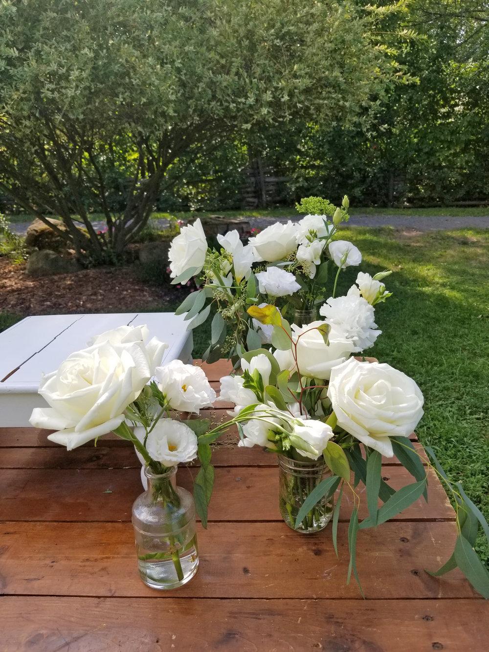 Natural Organic Montreal Wedding Pointe du Moulin Florist Flowers 20180819_154302.jpg