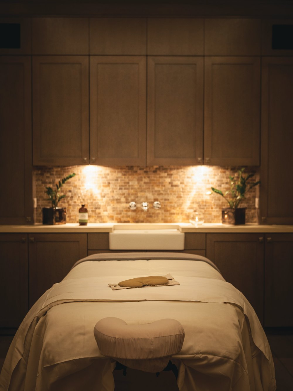 Belmond El Encanto Spa Room.jpg