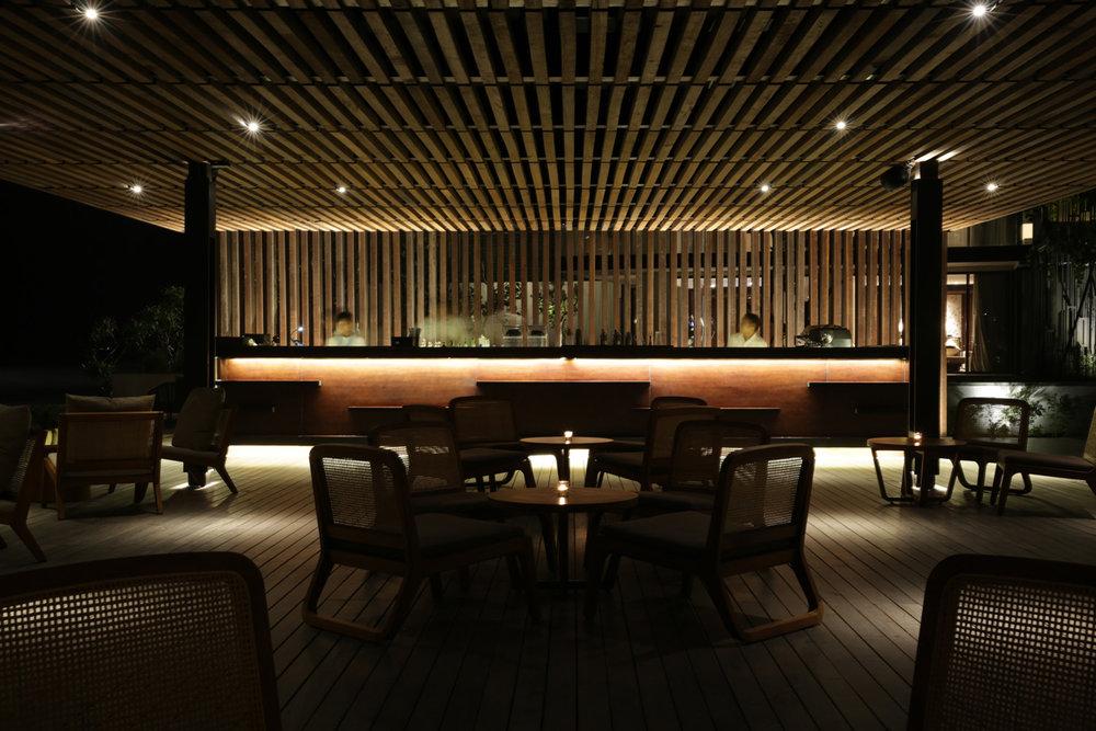 Alila Seminyak - Beach Bar in the Evening 02.jpg