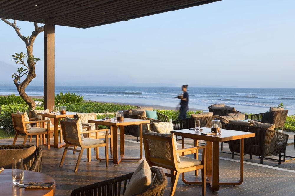 Alila Seminyak - Seasalt - Beach Terrace 02.jpg