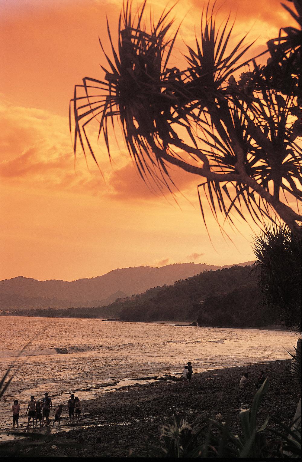 Alila Manggis - View - Sunset 01.jpg