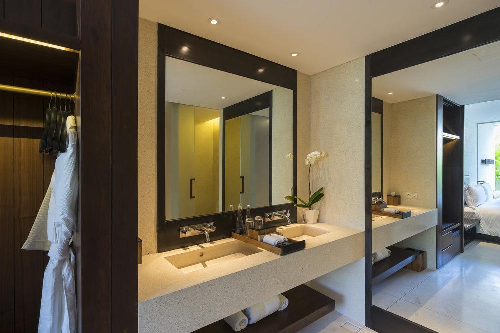 Alila Seminyak - Accommodation - Studio Bathroom.jpg