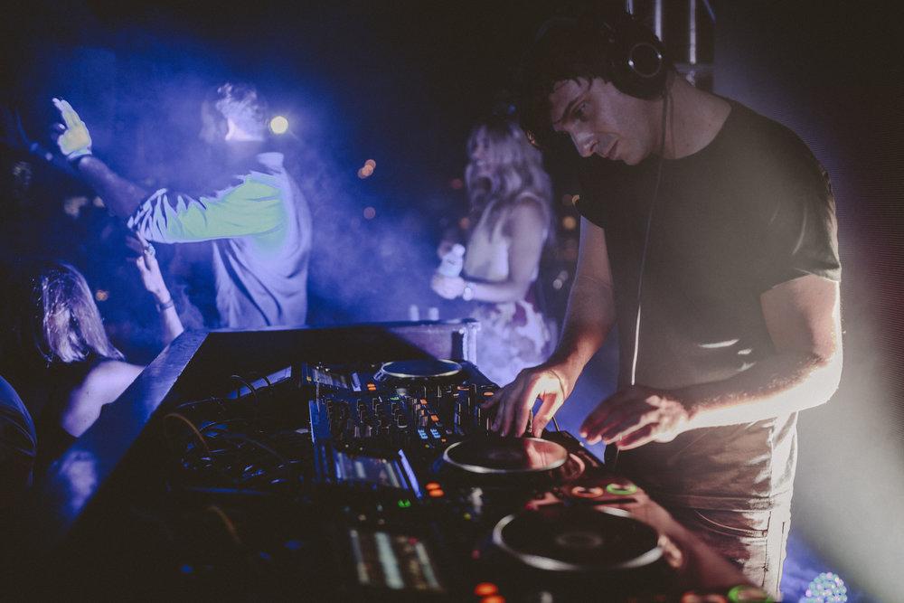 The-Cape_Capri-Consultor-Musical-DJ-residente.jpg