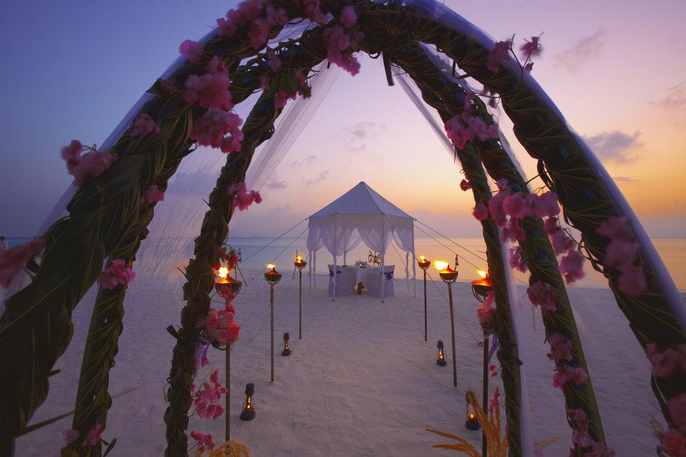 Ananatara_Dhigu_Wedding_Dinner.jpg