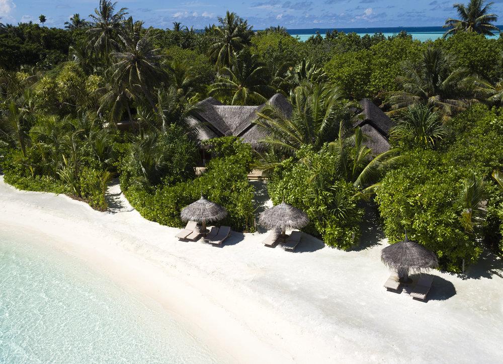 Anantara_Dhigu_Beach_Aerial.jpg