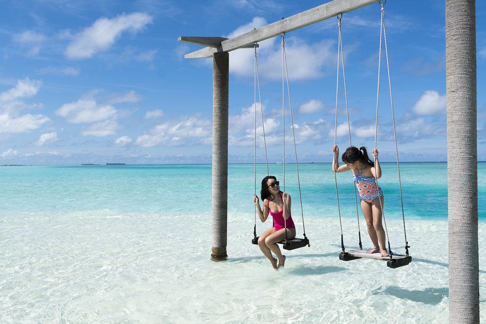 Anantara_Dhigu_Gulhifushi_Swings.jpg