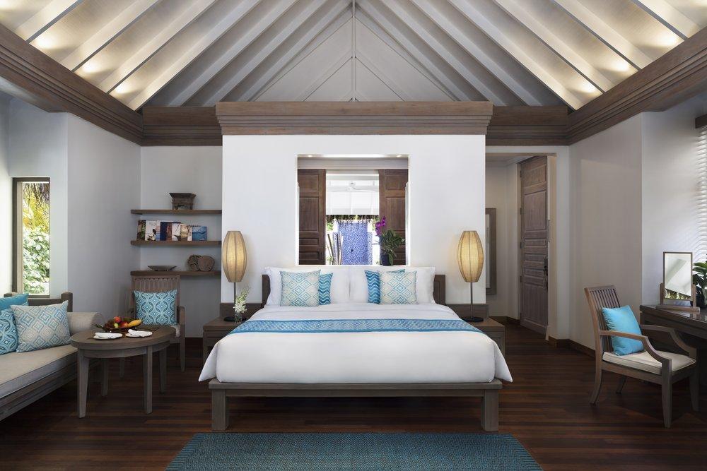 Anantara_Dhigu_Sunset_Beach_Villa_Bedroom.jpg