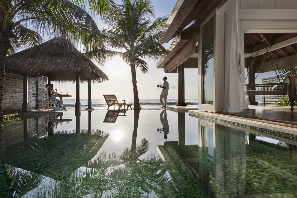 Naladhu_Private_Island_Ocean_Pool_House_Breakfast.jpg