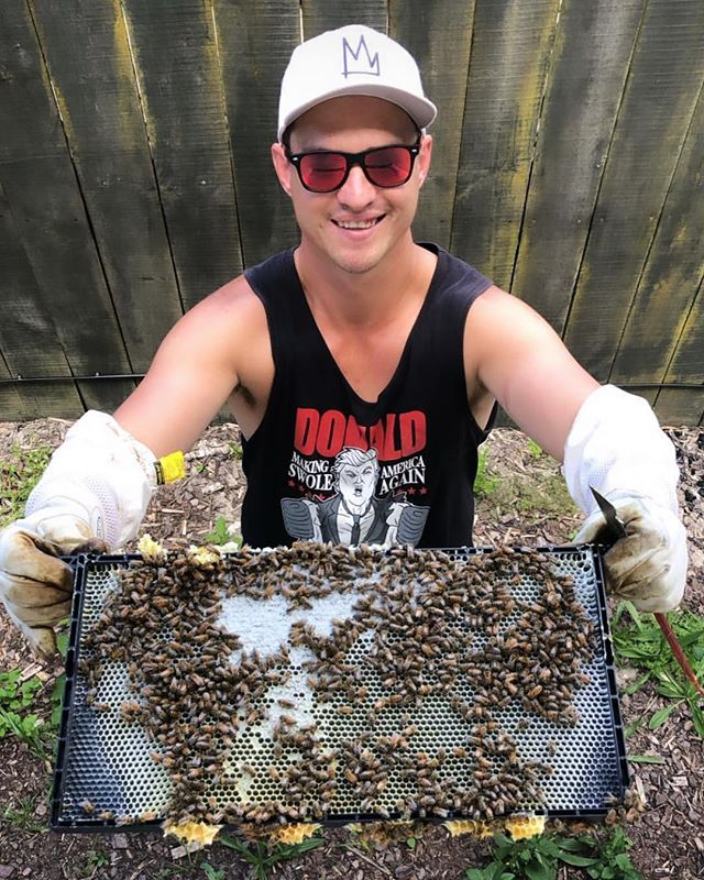 Look at that smile. Bees did that. Get your connection to nature by renting a hive!#bees #auckland 😜#nature #green #nz