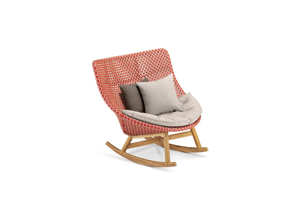DEDON-Mbrace-Rocking-chair-decocushion-spice.jpg