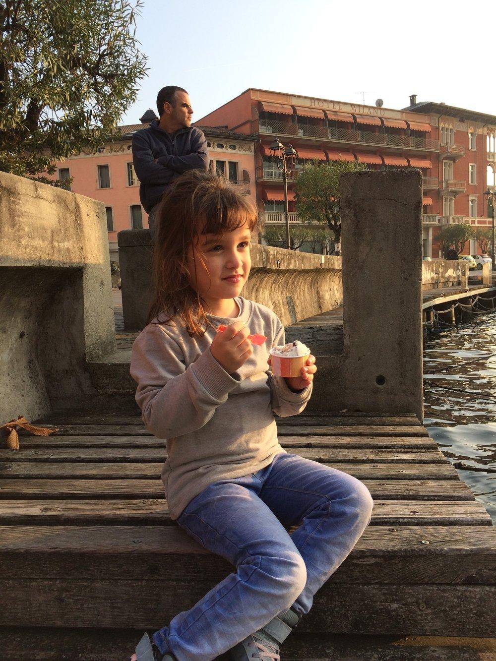 ice-cream-by-the-lake-garda.JPG