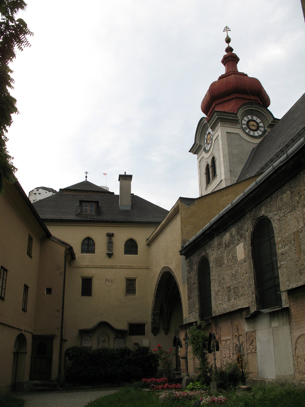 The Nonnberg Abbey photo by  Andrew Bossi  in  Wikimedia common   @thisisbossi