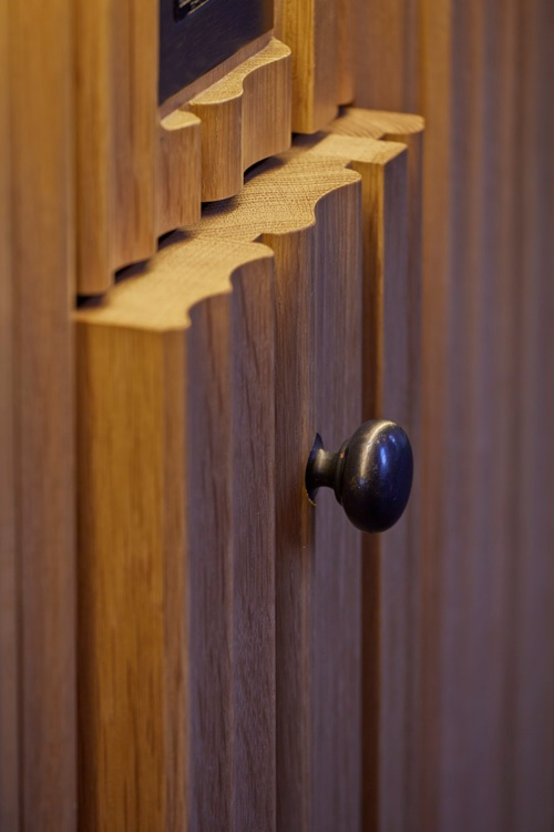 MADRESFDIELD DETAIL - could go with wood panel closed?.JPG