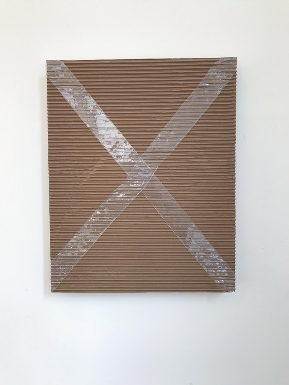 "Monochrome with Corrugated Cardboard and Packing Tape , 2018, Acrylique sur toile de de lin, 20"" X 16""."