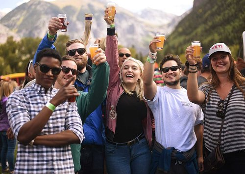 <p><strong>Grand Tasting </strong> Sample 170 styles of beer from 56 craft breweries during Saturday's Grand Tasting! <a href=/brews>More →</a></p>