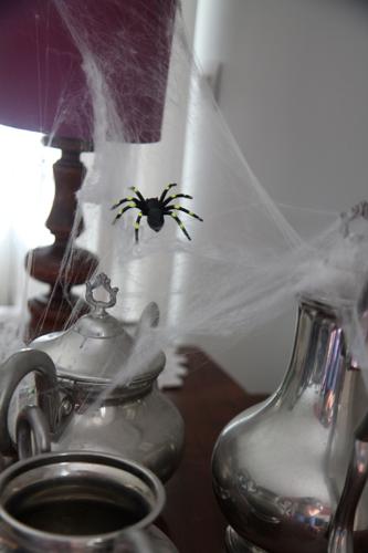 déco-Halloween-toiles-daraignées-03.jpg
